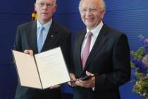 Peter Götz mit Verdienstkreuz am Bande ausgezeichnet